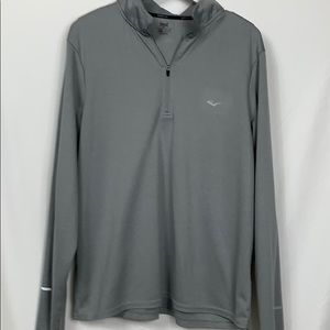 Everlast grey fitted long sleeved pullover size Lg